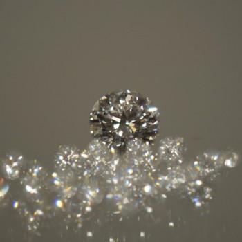 ダイヤモンドを