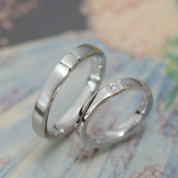 〔結婚指輪〕プラチナと三面ダイヤ