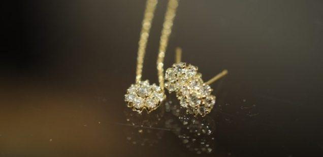 ダイヤモンドピアス・ダイヤモンドネックレス。出来立て。