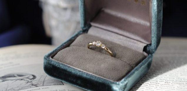 3stone engagement ring