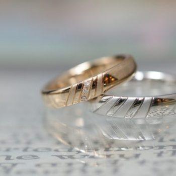 〔結婚指輪〕二つで一つのデザイン