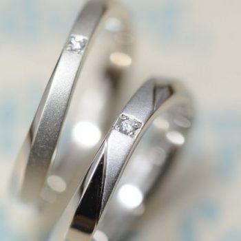 〔結婚指輪〕ウェーブとサンドブラスト