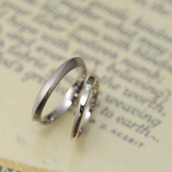 結婚指輪 waveのような稜線のような、、、