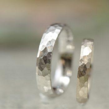 結婚指輪 カニの刻印