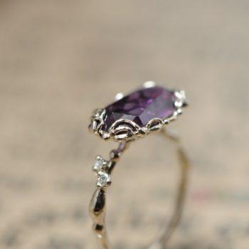 紫の美しいルース オーダーメイド