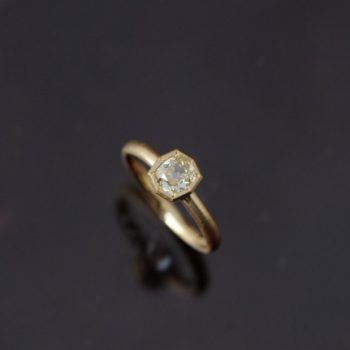 オールドカットダイヤモンドのリング