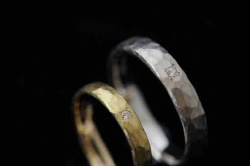 鎚目マットのオーダーメイド結婚指輪