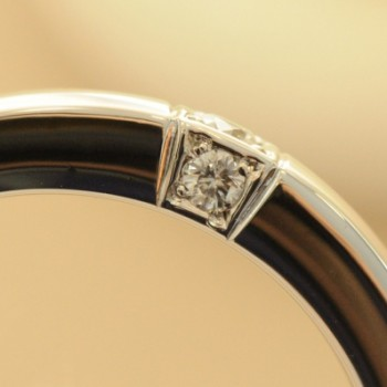 プラチナとダイヤ3つの結婚指輪