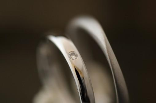 ツイストと甲丸ペアのオーダーメイド結婚指輪