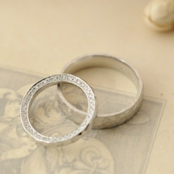 鎚目とフルエタニティーのオーダーメイド結婚指輪