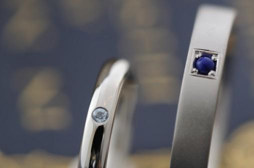 誕生石付きプラチナのオーダーメイドの結婚指輪