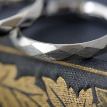 プラチナダイヤカットのオーダーメイド結婚指輪
