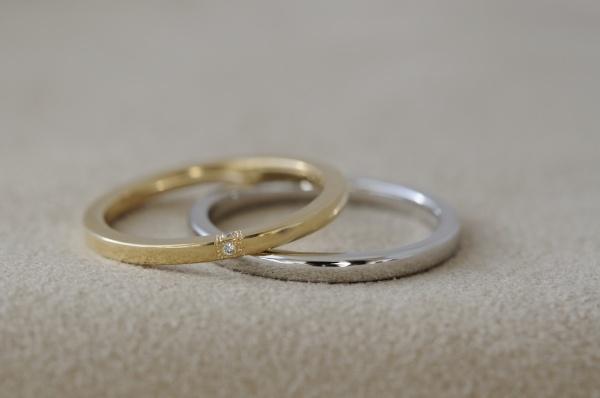 ゴールドとプラチナの細身なオーダーメイド結婚指輪