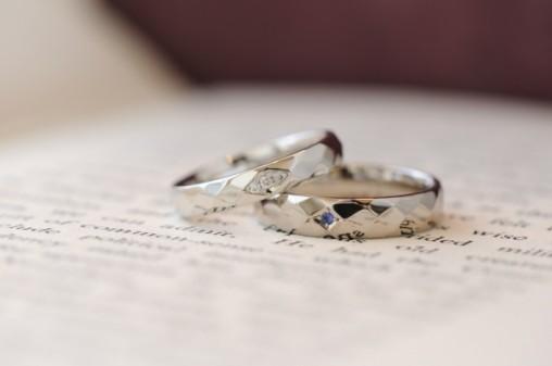 菱形鎚目のオーダーメイド結婚指輪