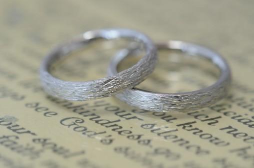 ナチュラル加工の結婚指輪