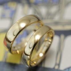 純金ピュアゴールドの結婚指輪