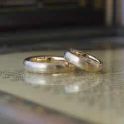 ボリュームテクスチャコンビの結婚指輪