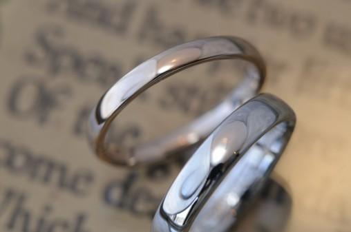 ピンクゴールドとプラチナの結婚指輪