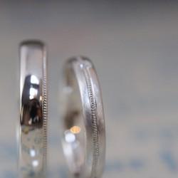 ミルグレインとシャンパンゴールドの結婚指輪