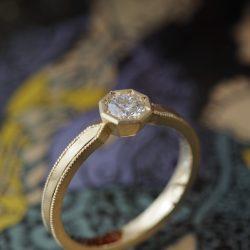 クラシカル婚約指輪