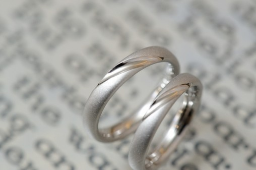 プラチナサンドブラストの結婚指輪