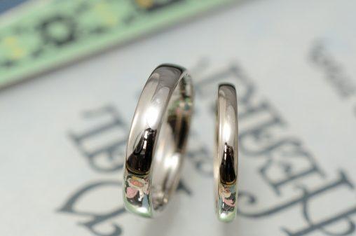ホワイトとシャンパンゴールドの結婚指輪