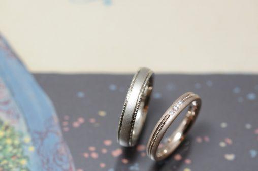 ミルグレインとホワイトゴールドピンクゴールドの結婚指輪
