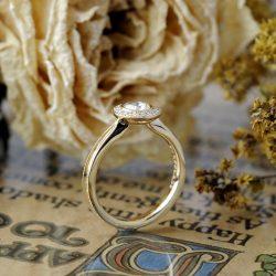 ローズカット婚約指輪取り巻きタイプ