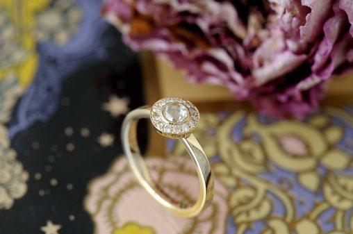 ローズカット婚約指輪取り巻き
