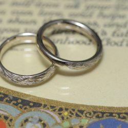 アンティークテクスチャのオーダーメイド結婚指輪