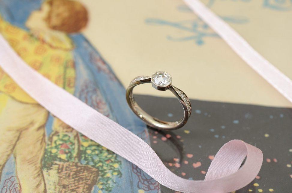 ローズカットシャンパンゴールドの婚約指輪