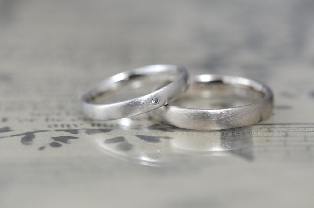 使用感のあるマットと甲丸のオーダーメイド結婚指輪