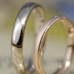 ローズとサンドブラストのシンプルなオーダーメイド結婚指輪