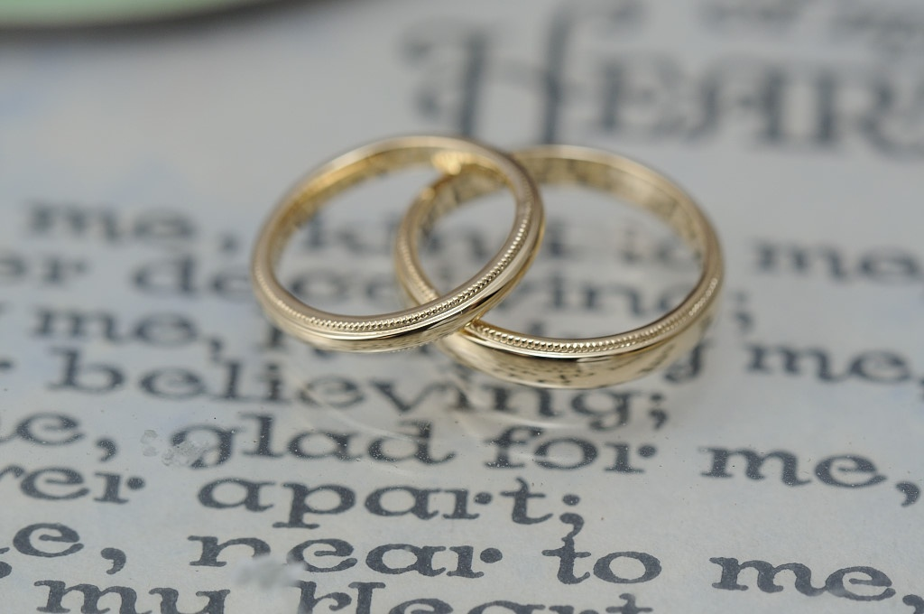 ゴールドとミルグレインのオーダーメイド結婚指輪