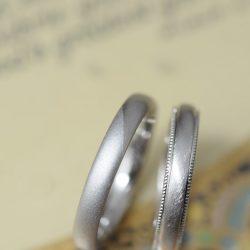 シンプルサンドブラストのオーダーメイド結婚指輪